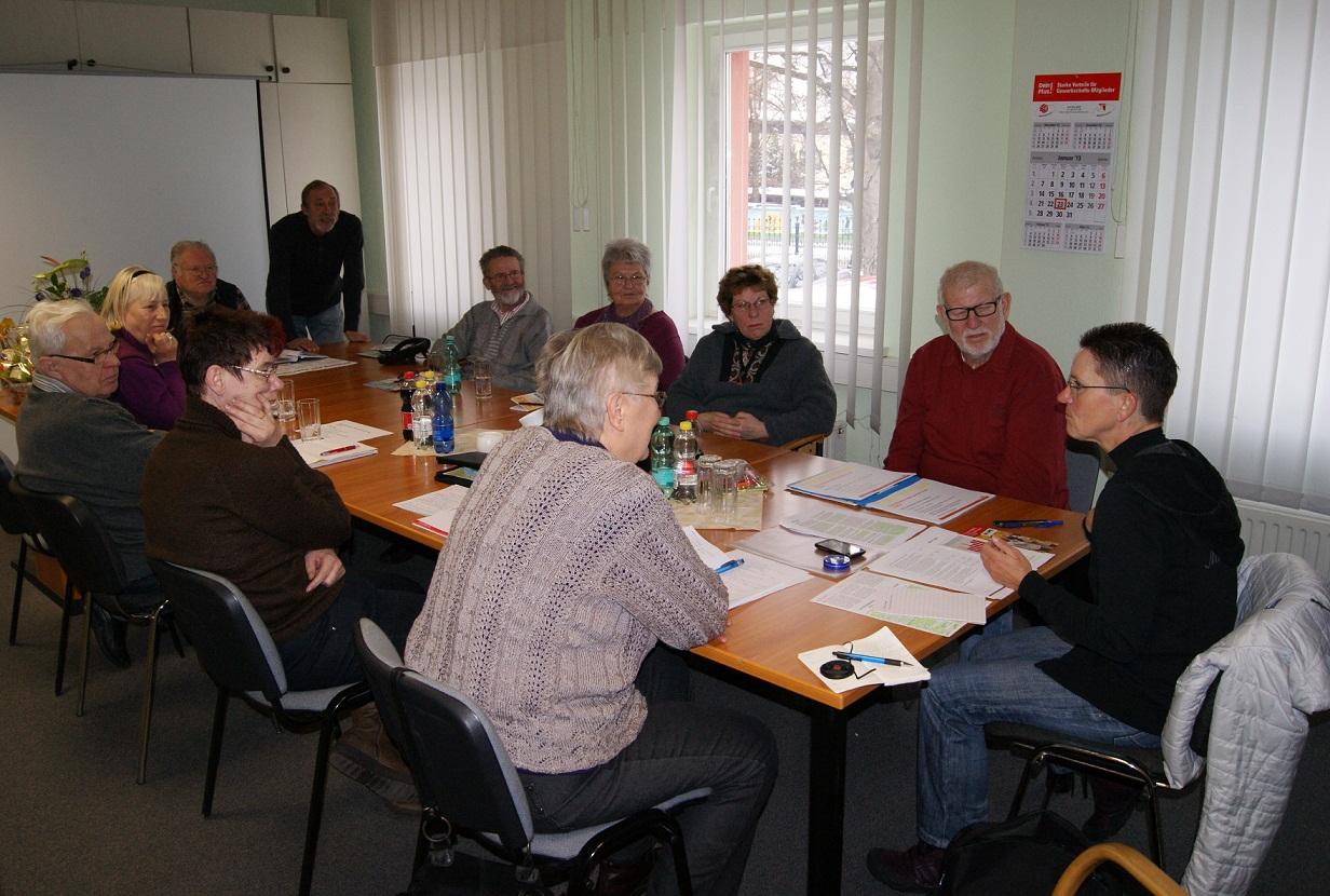 Petra Sitte sprach mit den SeniorInnen der IG Bau über das rentenpolitische Konzept der LINKEN