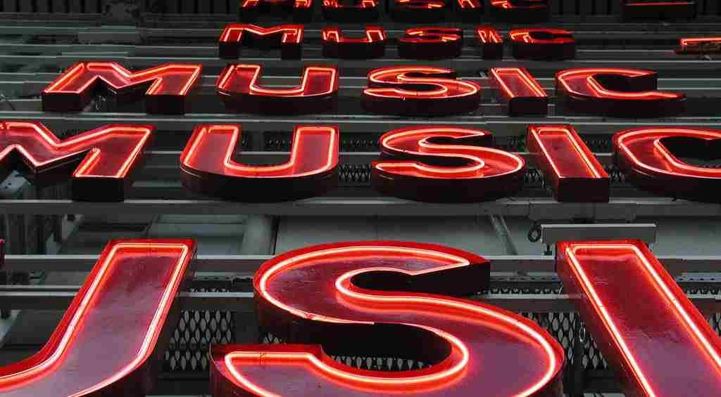 """""""Music""""-Neonlichtröhren"""